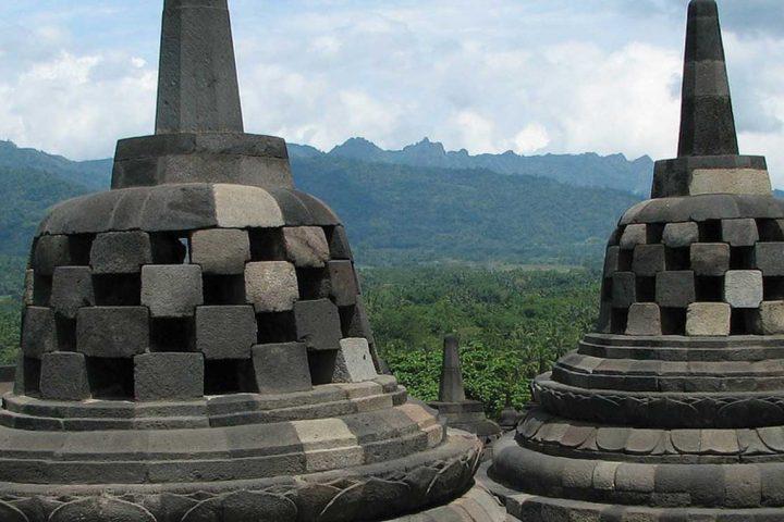 asia-indonesia-java-borobudur-stupa