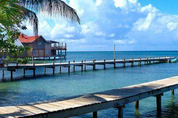 Central-America-Honduras-Roantan-Island-Beach-Sea