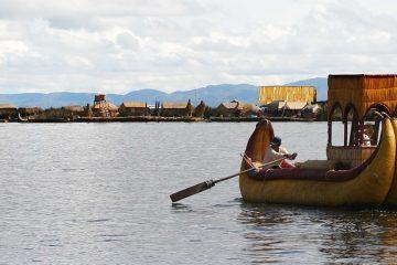 South-America-Peru-Puno-Uros-Raft-Island-Titicaca