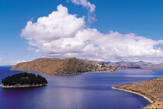 South-America-Peru-Bolivia-International-Lake-Titicaca