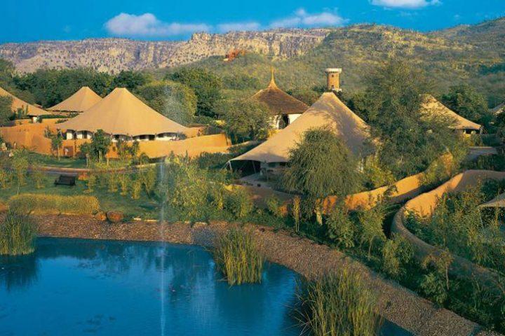 Luxury Travel Asia India Oberoi Vanyavilas