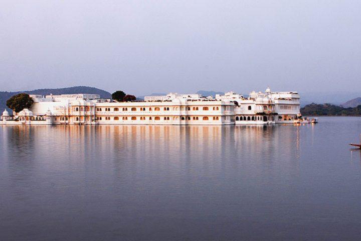 Luxury Travel Asia India Taj Lake Palace
