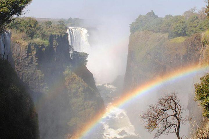 tour-africa-zimbabwe-victoria-falls-rainbow-pixabay-2042609