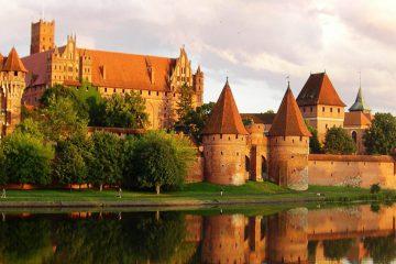tour-europe-poland-polish-splendours-malbork-castle-1104042_1280-pixabay