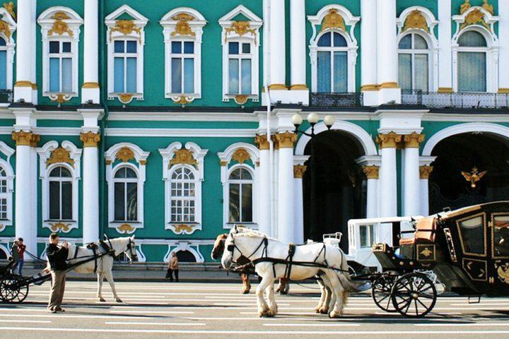 tour-finland-russia-czar-route-winter-palace-215727_1280-pixabay